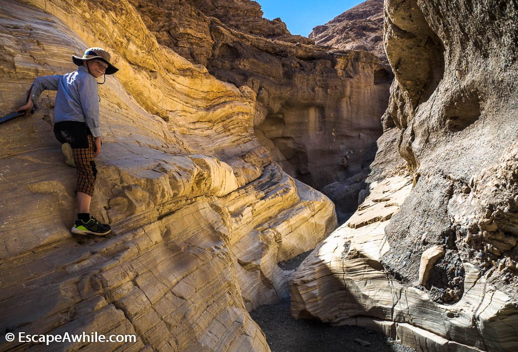 And then the canyon narrows down even more, to the joy of young explorers. Mosaic Canyon, Death Valley NP.