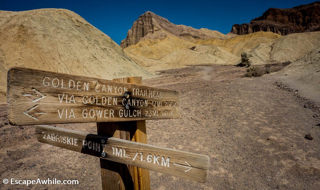 Trail signpost on Golden Canyon-Gowler Gulch loop track. Death Valley NP.