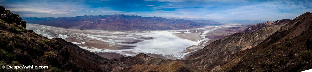 180 degree views of Death Valley and the salty plain of Badwater basin (the lowest point in continental US, 85.5m below sea level) from Dante's View lookout.
