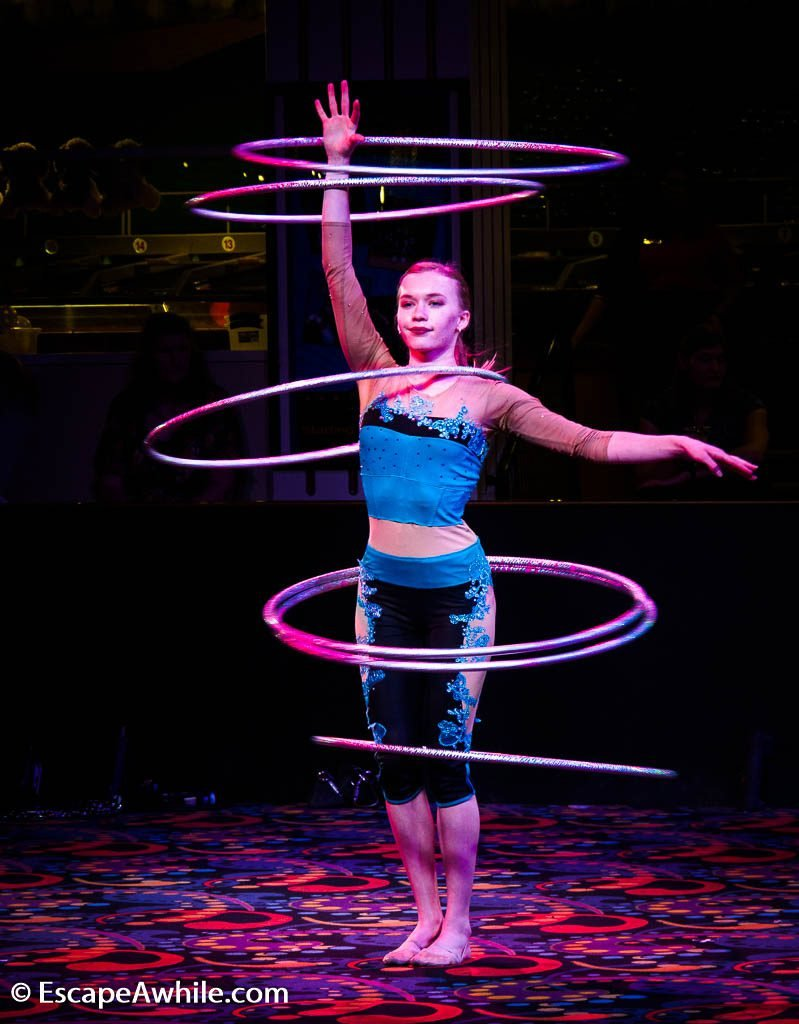 Free artist performances  in the Midway hall at Circus Circus casino.