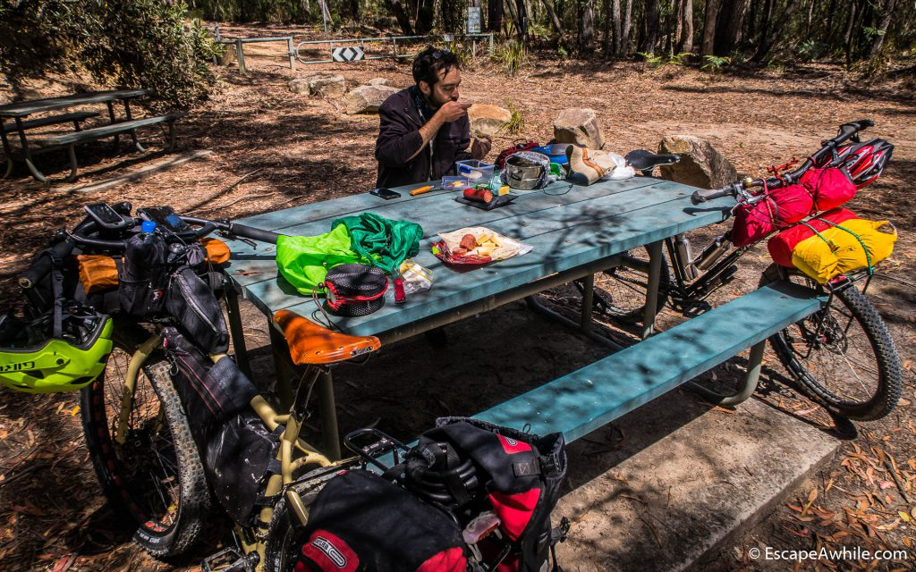 unch at the picnic area at the locked gates on the Wombat Hill Lookout trail