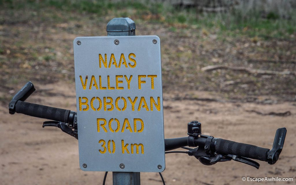 Distance marker at the begining of the Nasas Valley Firetrail